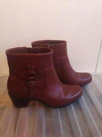 Size 6.5 tan boots