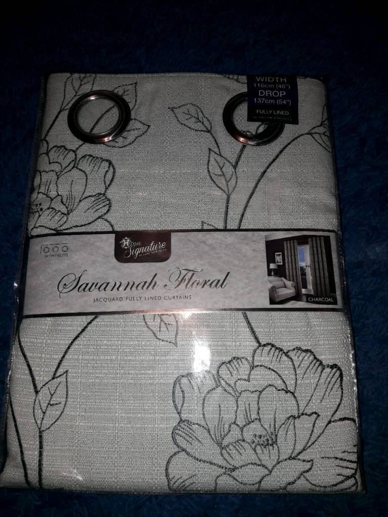 Brand new sealed curtains, £10ovno
