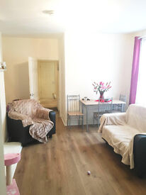 ROOM AVAILABLE FOR RENT IN LEYTON/E10