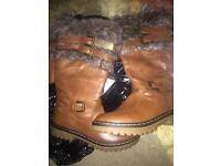 Ugg boots size4 and hat