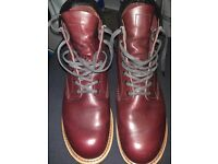 Red Wing 9011 Beckman in Black Cherry Size 8 1/2. Very good condition