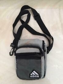 cross body shoulder bag ideal for travel outings valuables passport documents at only £10