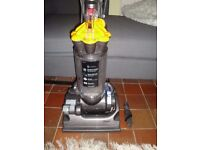dyson dc33 multi floor, huge suction , with 2 in 1 attachment