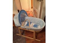 Moses basket with rocking stand & foldable stand