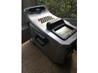 Deep fat fryer. Delonghi PremiumFry. 'Easy Cook System'