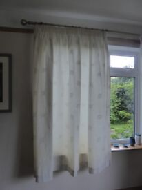 2 Pairs Cream Curtains Lined 180cm long x 195cm wide - Quality curtains + woven Leaf Pattern detail