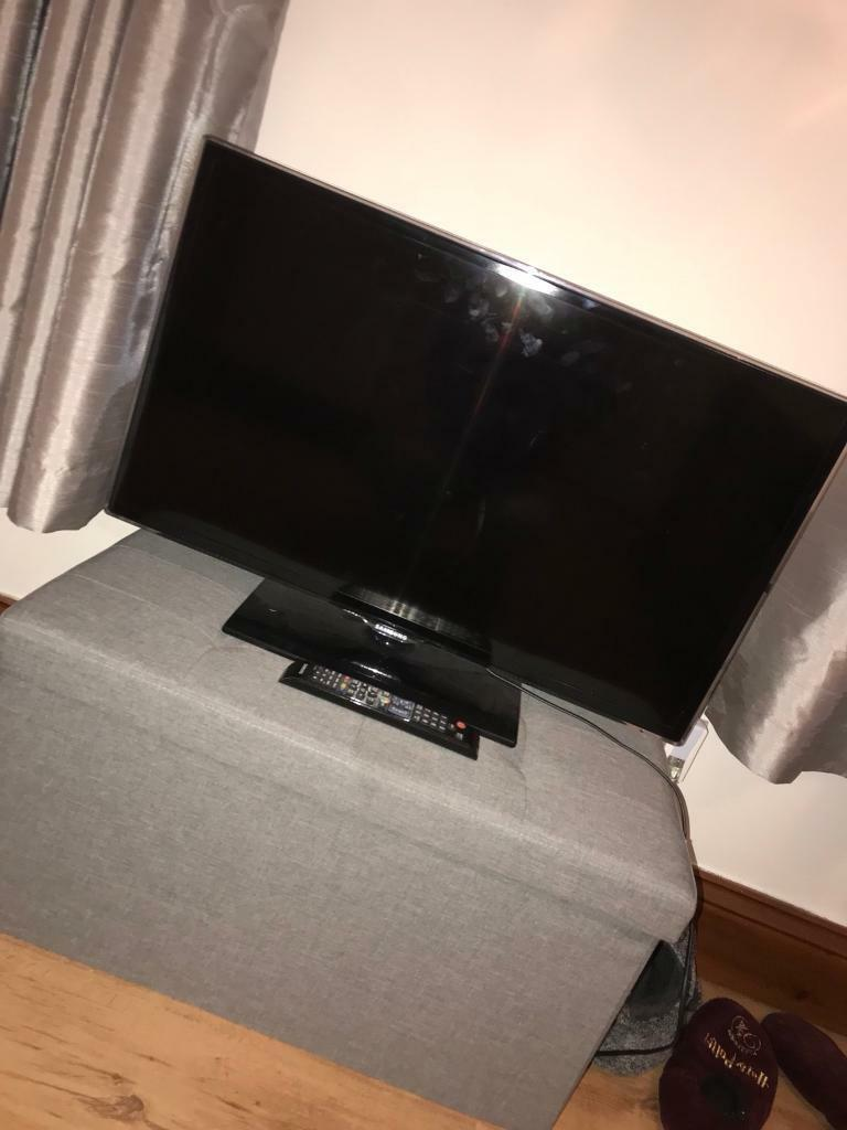"Samsung 32"" smart tv, open to offers!"