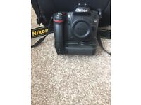 Nikon D80 - black - body and grip