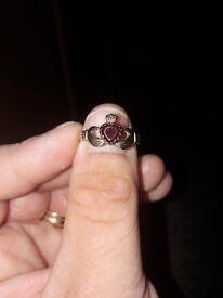 9ct Gold Garnet Claddagh ring