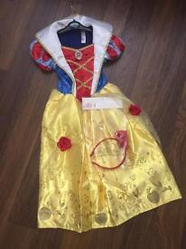Snow White costume 3/4 years