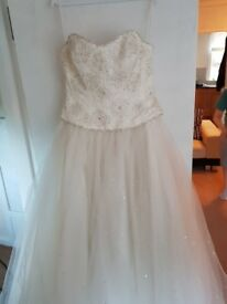 Alexia couture ivory and red wedding dress brand new with tags, hoop ...