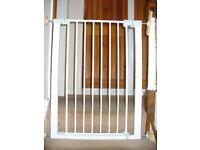 Safety gate / Lyng
