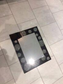 Mirror- Modern Black Edged Design