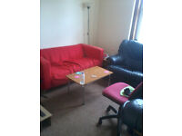 Looking for flatmate. Double room in 3 bedroom flat near center of Dundee