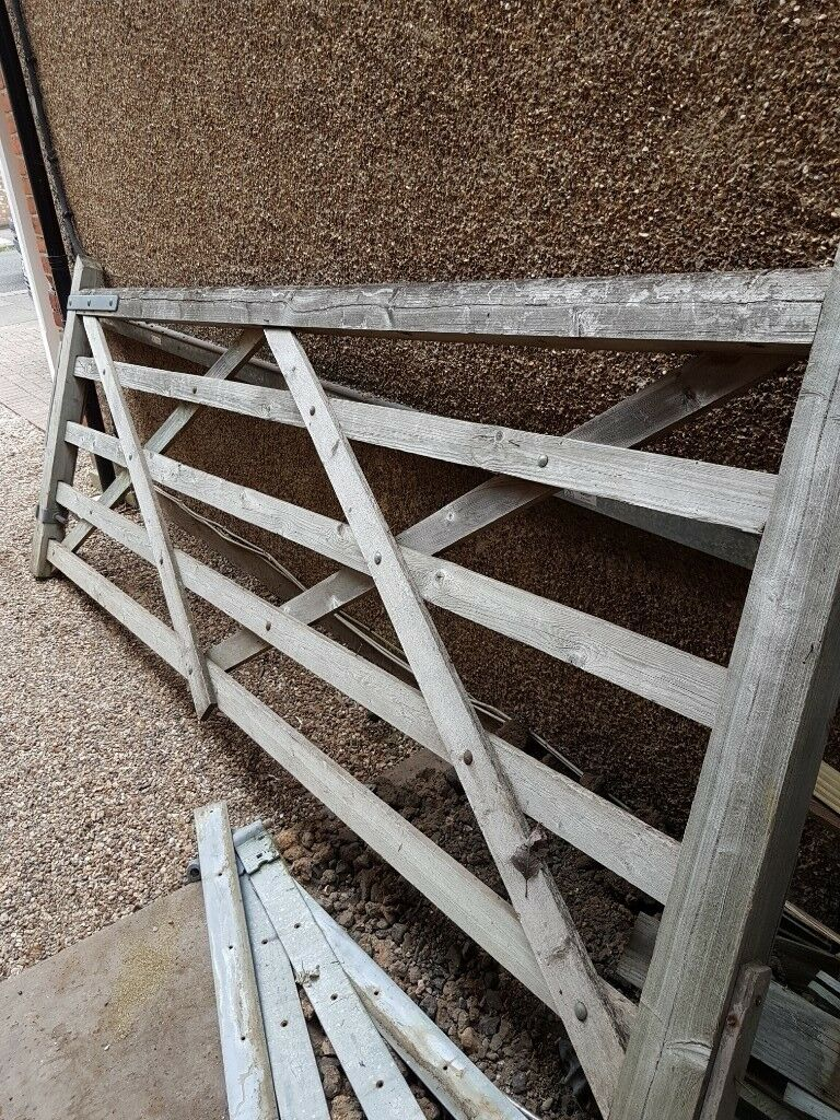 10ft 304m Timber Diamond Braced Five Bar Field Farm Gate Free