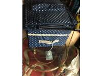 Storage box/shelf