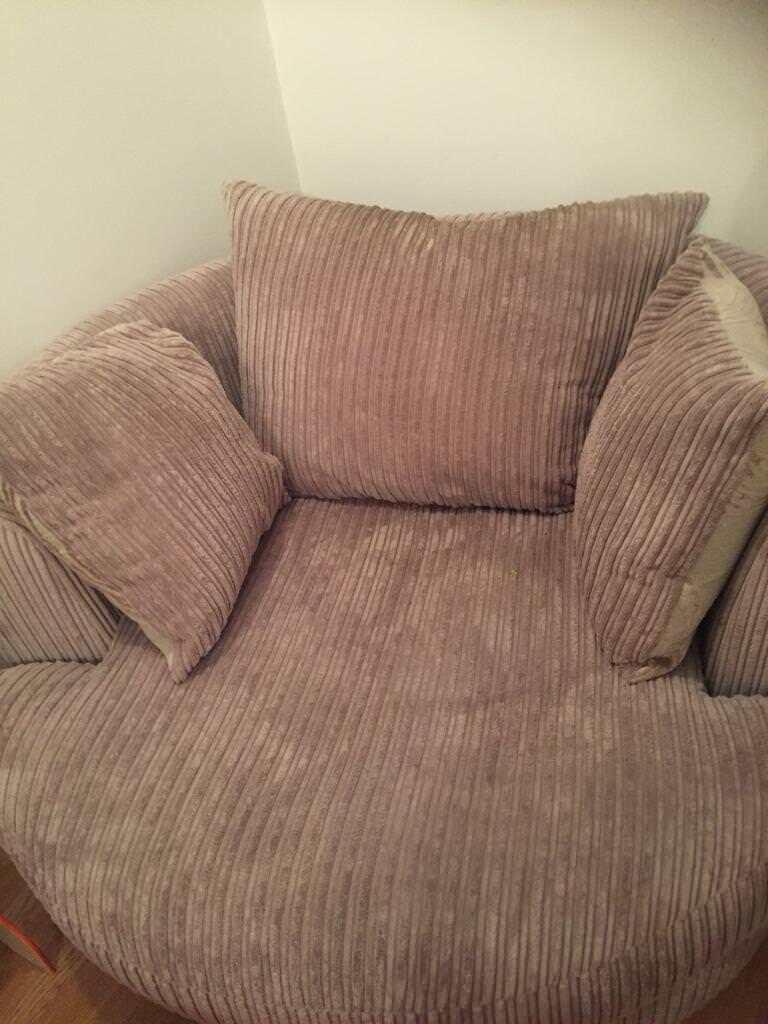 Beautiful cuddler swivel chair ST ALBANS