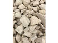 20mm Cotswold garden/driveway chips