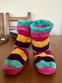 Girls JOULES Slippers (size 11-13)