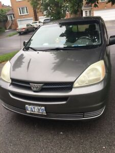 Excelent Condition - 2004 Toyota Sienna For Sale - 227KM