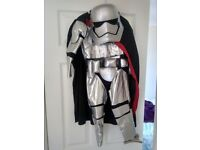 Disney store star wars Phasma 7-8 years with mask