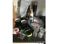Bundle of kitchen items
