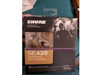 Shure Se425 Headphones (IEMs)
