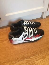 Northwave cycling shoes with carbon sole v. Light!!