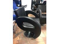 4 DIR Salon Styling Chairs