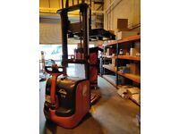 LINDE L16 Electric Pallet/Stacker - Walk- Behind