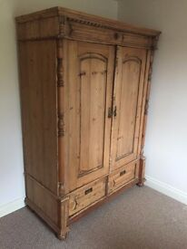 Wardrobe - Stunning, pine, early 19th century wardrobe