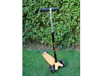 Maxi microlite scooter