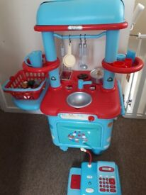Well loved ELC play kitchen