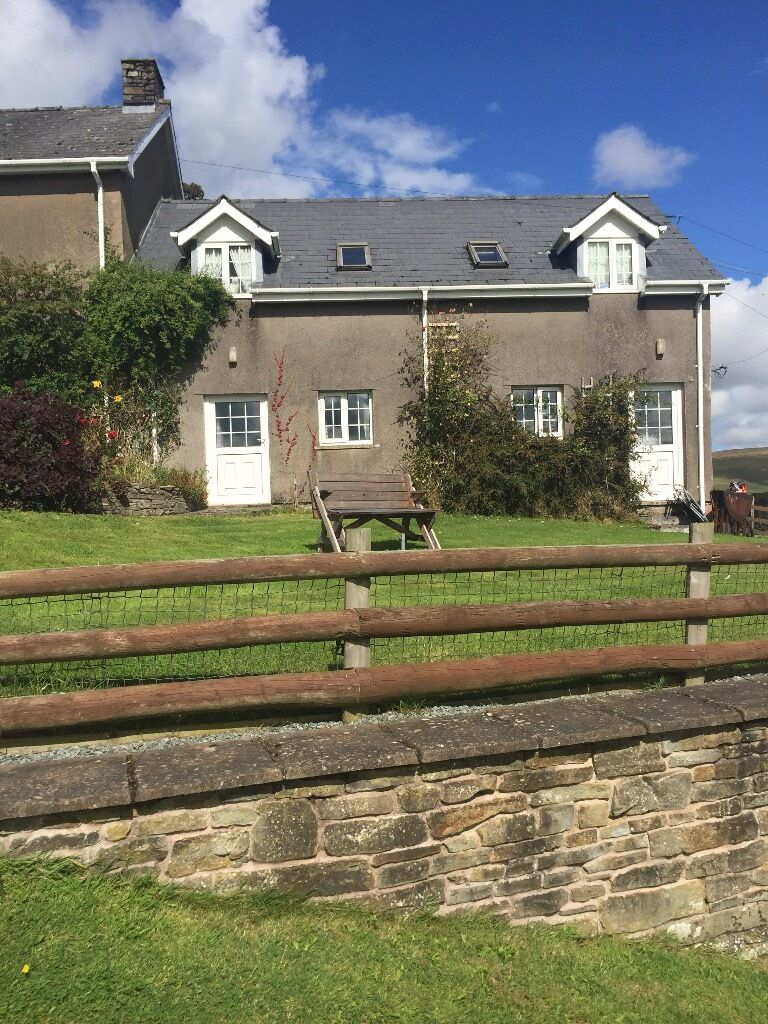 family newtown marches wales rent all welshpool holiday view cottages properties accessible mid img powys to photos montgomery in near highgate