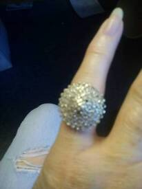 Ring 9ct golf 100 diamond chips cluster