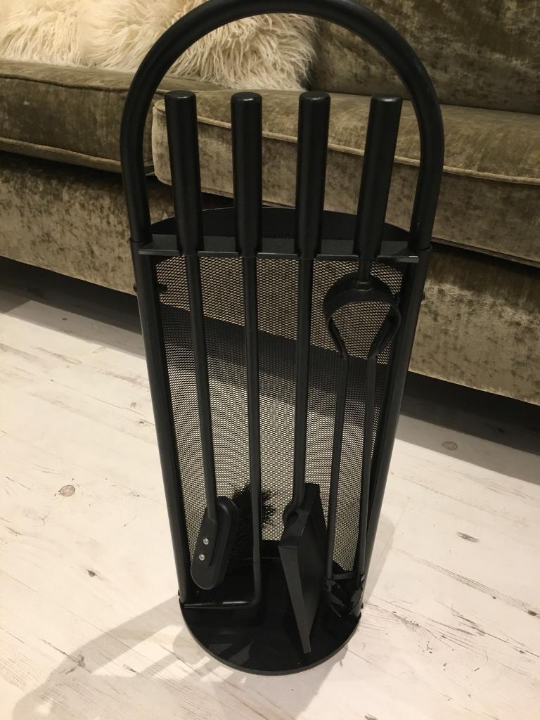 Brand new black 4 companion set