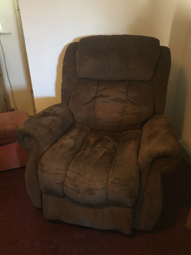 riser/recliner armchair six months old. Cost over £3oo, is like new, due to lack of space, must go.