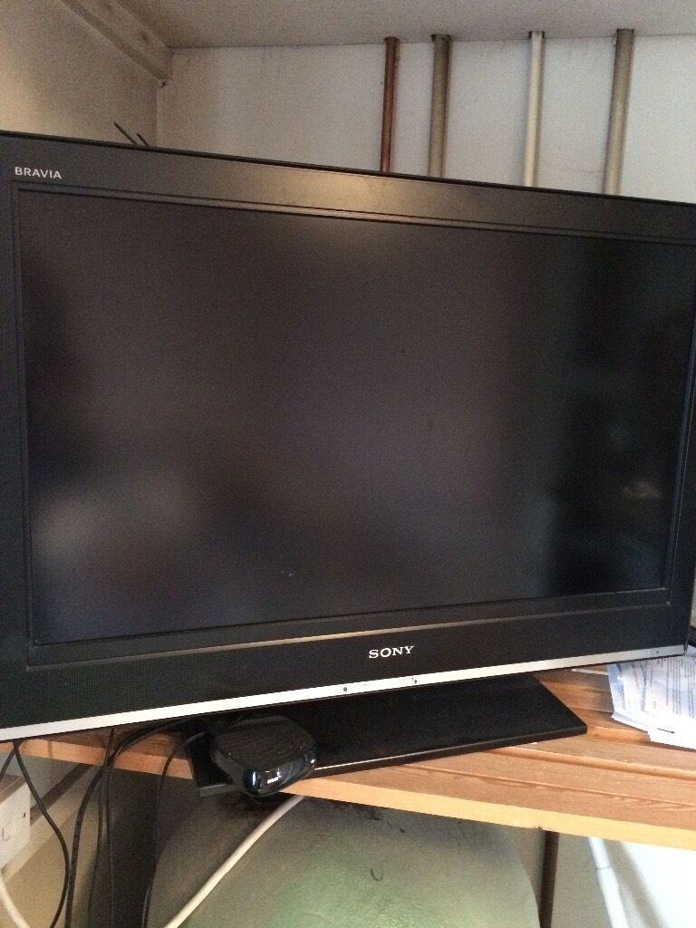 "37""Sony Bravia tv with freeview built inin Esher, SurreyGumtree - 37"" Sony Bravia tv with freeview built in collect Esher kt10 can drop for fuel cost if need be. NO OFFERS please text or call any questions"