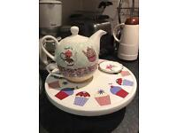Tea pot and cake stand