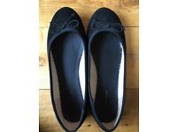 Black Dorothy Perkins size 6 black pumps as new
