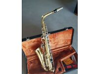 Yanagisawa Alto Saxophone, 1984 vintage 800 series, in great condition and in it's original case