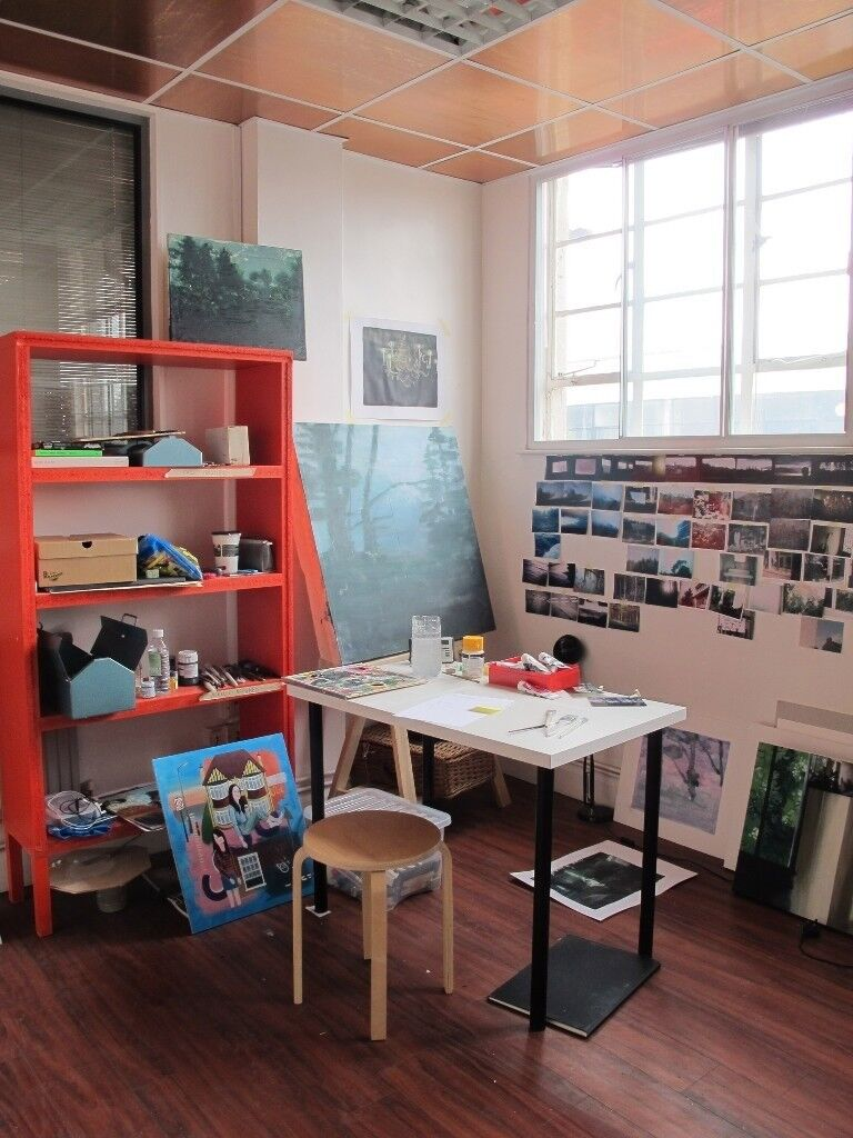 All Inc Bright Shared Art Studio Desk Space To Artist Or Painter