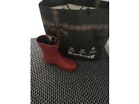 Red Barbour wellington wellies boots