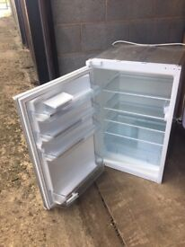 Bosch Integrated Upright Fridge model KIR18V20GB as new hardly used