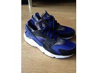 Nike Huarache Size 7