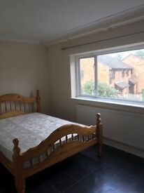 :: Superb 4 Bedrooms and 2 Reception 2 Bath and 3 toilet House To-Let, in Eastham on Saxon Road, E6