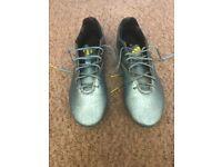 Boys/Mens Football Boots Size 7