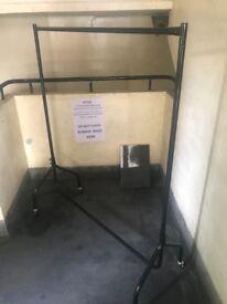 5x5ft metal clothes rail