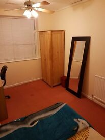 Double room from June Family house £550 wifi, bills,parking incl