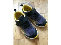 Boy's Brand New Size 9.5G Clarks Trainers